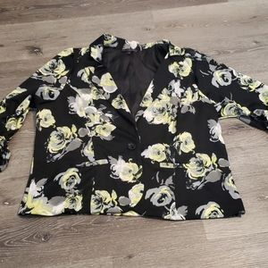 SALE! Floral stretch blazer